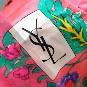 🔺️ FIRM PRICE YSL Scarf - Vintage